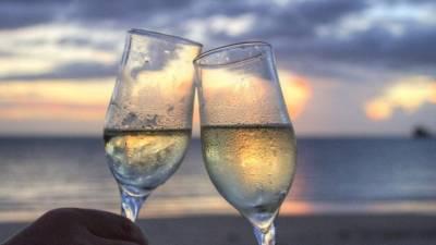 «Zυμώσεις» των τουριστικών επιχειρήσεων με αυτές του κρασιού