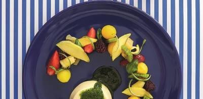 Πανακότα με μινεστρόνε φρούτων και γλυκό πέστο