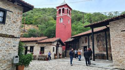 Η Καστοριά «αλλάζει πρόσωπο» - Ετοιμάζεται να υποδεχτεί περισσότερους τουρίστες (φωτο)