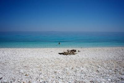 Κουτσουπιά: Η «κρυμμένη» παραλία της Κεφαλονιάς (Φωτογραφίες)