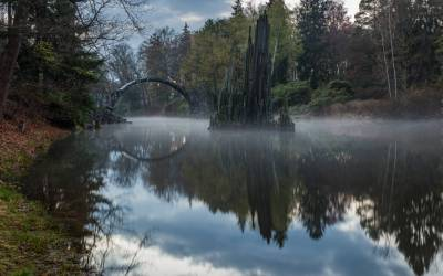 Rakotzbrücke: Η γέφυρα του… διαβόλου βρίσκεται στη Γερμανία (Βίντεο+φωτογραφίες)
